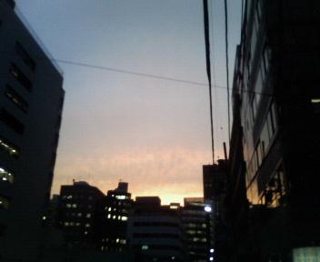 ぎんぎんぎらぎら夕陽が沈む