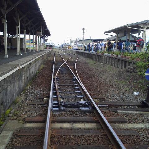 線路の向こう