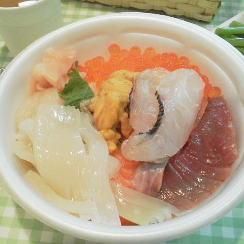 本日のお昼ごはん@のっけ丼