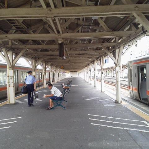 沼津駅ホームにて。